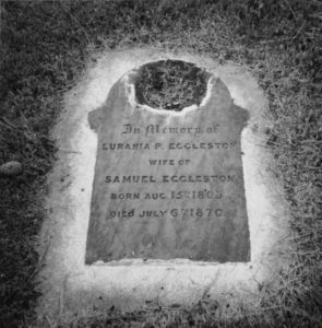 Lurania grave